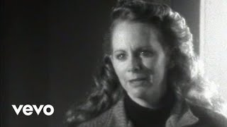 Reba McEntire - The Night The Lights Went Out In Georgia (Official Music Video)