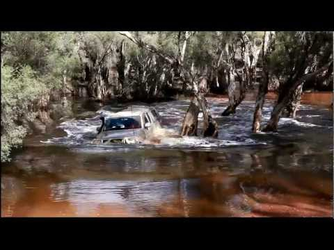 Extreme Hilux Deep River Crossing .mpg