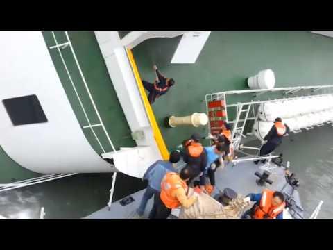 New Footage Shows South Korean Ferry Captain Abandon Ship
