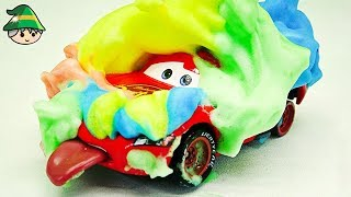 Disney car and color bubble car wash play. Learning colors with bubbles.