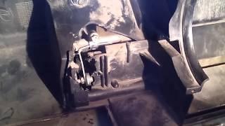 видео Не греет печка на ВАЗ 2110? Замена моторедуктора заслонки отопителя