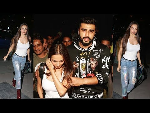 Arjun Kapoor & Girlfriend Malaika Arora OPENLY Show Their Relationship By Holding hands In Public