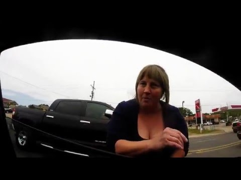 Road Rage Because of Waiting for Red Light 4-27-16