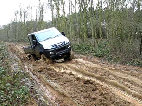 iveco daily 4x4 in the mud youtube. Black Bedroom Furniture Sets. Home Design Ideas