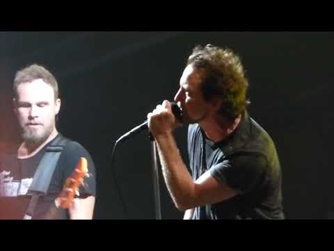 Pearl Jam - Sonic Reducer - Wrigley Field (August 22, 2016)