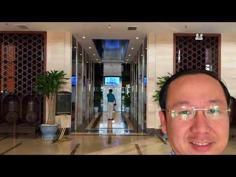 Francis Hùng - Bãi biển Mỹ Khê - Khách Sạn Mường Thanh Luxury  Đà Nẵng