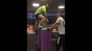 Сколько зарабатывает фитнес-тренер