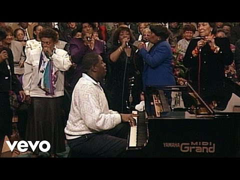 Inez Andrews, Albertina Walker, Dorothy Norwood, The Caravans - Mary Don't You Weep (Live)