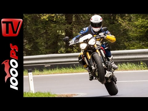 Triumph Speed Triple R Test 2016 | Motorrad Quartett | Action, Design, Details