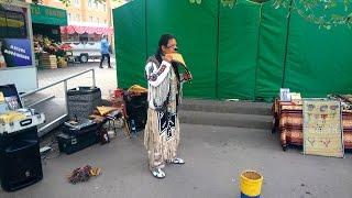 Одинокий пастух Индеец Инти играет музыку Кронштадт ДБУ 2016г