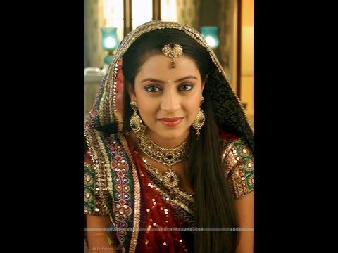 """Nhan sắc như nữ thần của 3 mỹ nữ đóng phim Ấn Độ : """"Cô dâu 8 tuổi"""""""