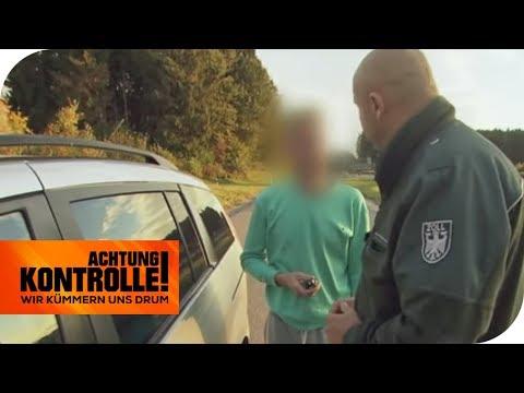 Auto aus dem Ausland gekauft: Hat er Steuerhinterziehung begangen? | Achtung Kontrolle | kabel eins