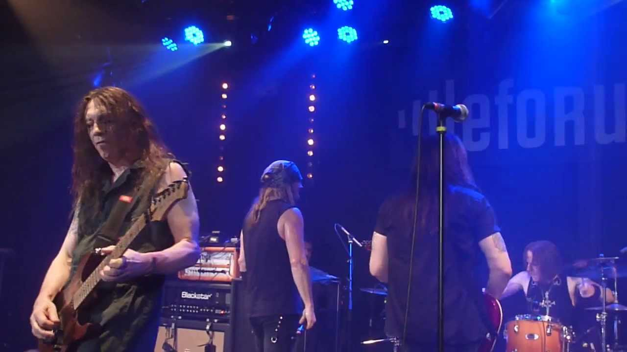 In A Darkened Room Skid Row Live