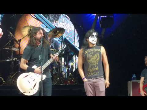 Kiss Guy YAYO Sanchez plays Monkeywrench w Foo Fighters Austin TX 41818