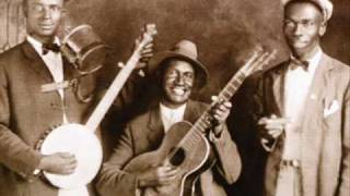 Gus Cannon and His Jug Stompers -  Money Never Runs Out