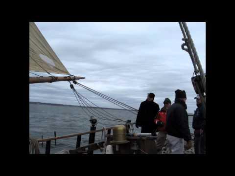 Sloop Providence slideshow HD 720p