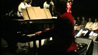2002年11月2日、原宿クエストホールでのライブより。 ピアノに富樫春生...