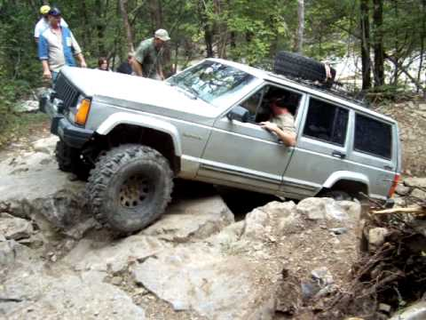jeep cherokee xj extreme rock climb - 27.0KB