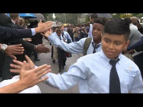 Inaugural Chattanooga Prep school class greeted by hundreds