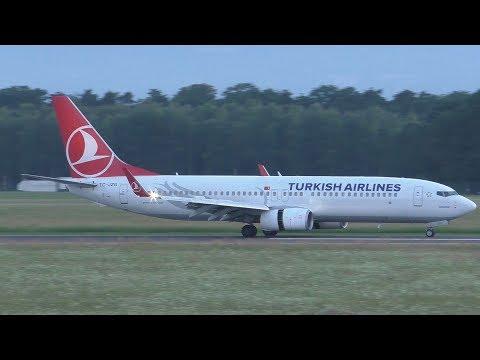 Turkish Airlines Boeing 737 landing at Graz Airport   TC-JZG