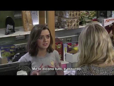 SUB-ITA: Maisie Williams aka Arya Stark si finge una commessa