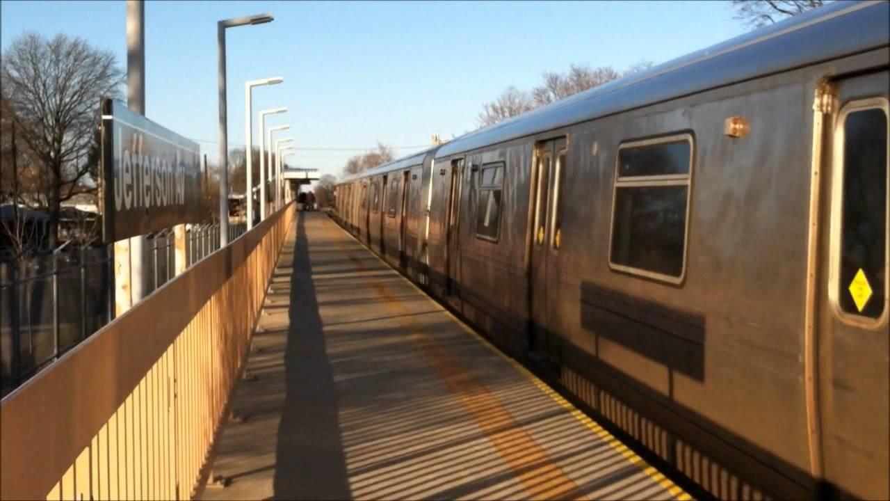 Staten Island Railway: Rush Hour Action At Jefferson