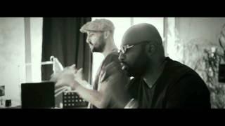 Смотреть клип Richie Stephens & Gentleman - Live Your Life