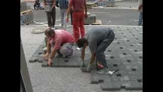 Ub: Postavljanje behaton ploča u Glavnoj ulici thumbnail