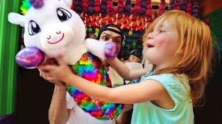 Unicorn Mermaid WINNER!! Adley plays new amusement park games to win toys! (with Mom and Dad)