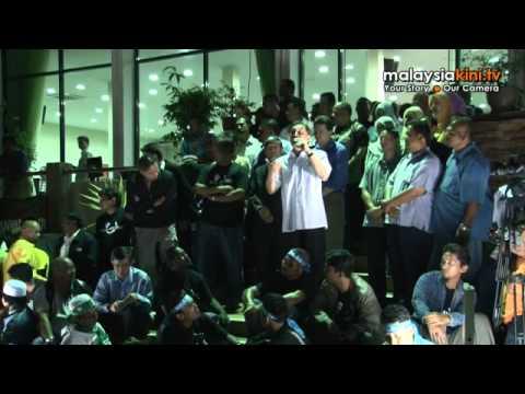 Anwar's last supper: Thousands throng KL