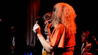 Floating - Laura Vane & The Vipertones - Live @ Bibelot 2011