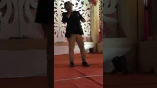 Tum dil ki dhadkan main rehte ho..on karaoke by .. manoj savediya