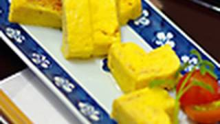 "How To Make Japanese-style Rolled Omelet ""tamagoyaki""(english Subtitle)"