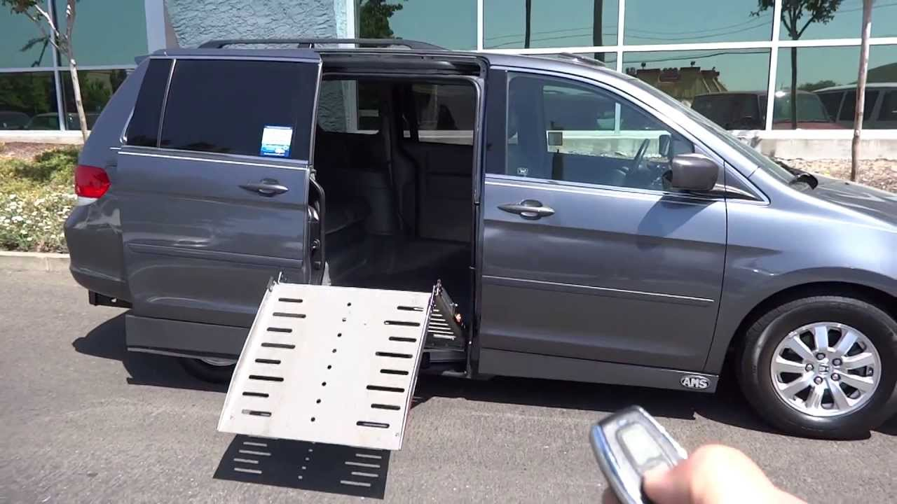 2010 Honda Odyssey with Power Side Entry Wheelchair Ramp