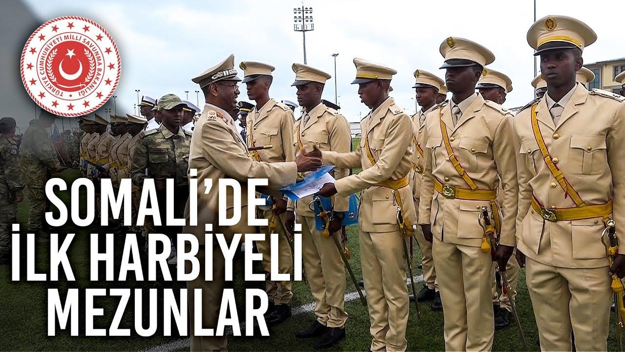 Somali Askeri Okullar Komutanlığı İlk Harbiyeli Mezunlarını Verdi