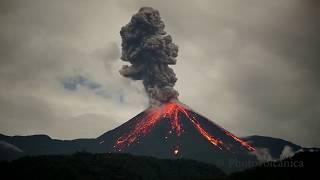 Erupcja wulkanu Reventador