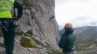 Difícil rescate de más de 13 horas de 2 montañeros en Picos de Europa