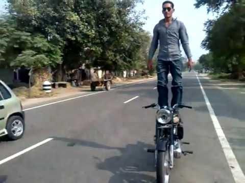 bhangra on bike by Pamma Dhillon banga to nawanshahr
