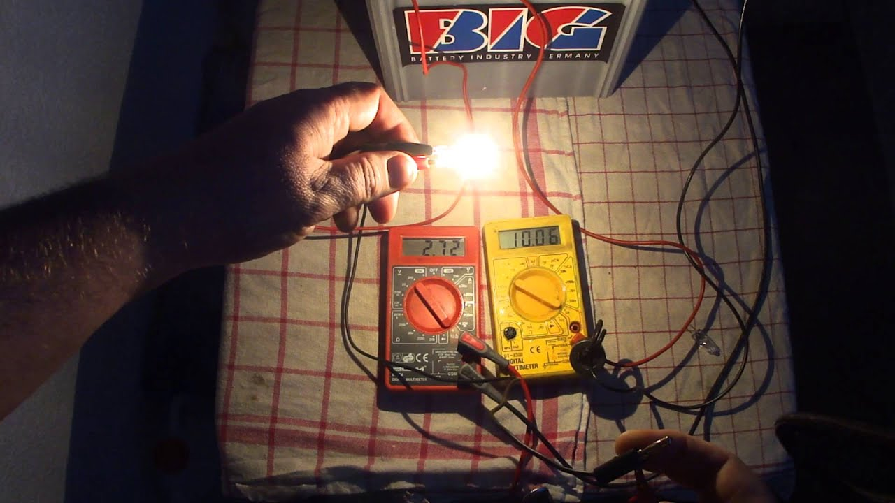 35 Watts 12 Volt Halogen Bulb Test As The Load On The ALUM