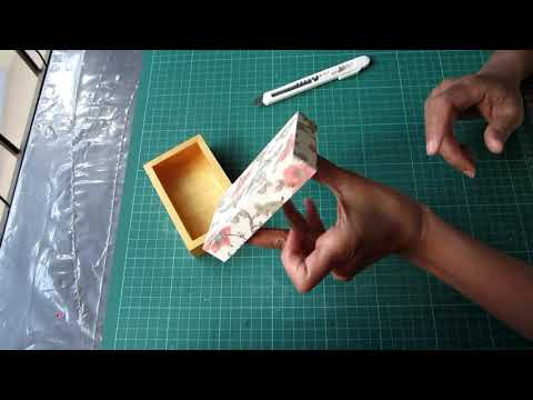 Quick Steps to Give Resin Finish to Wooden Decoupage Box