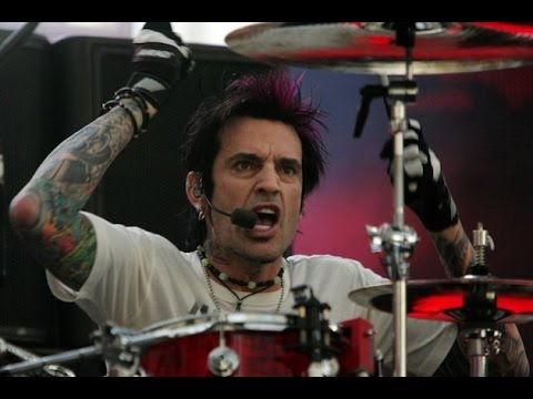 Tommy Lee | American Musician Drummer Biography | Bad Boy Fame Story | Tommy Lee Life Story