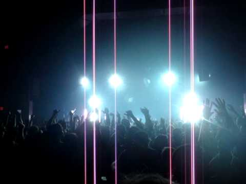 Pretty Lights @ The Lyric, Oxford, MS-Finally Moving (FULL SONG)