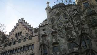 バルセロナのサンジョセップ市場、ランブラス通り、グエル公園、サグラ...