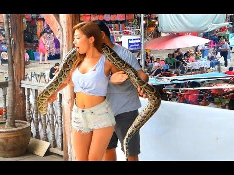 Best Floating Markets around Bangkok, Thailand - Damnoen Saduak + Amphawa