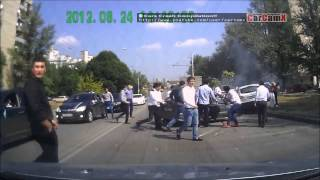 Repeat youtube video Car Crash Compilation (07)  / 交通事故集