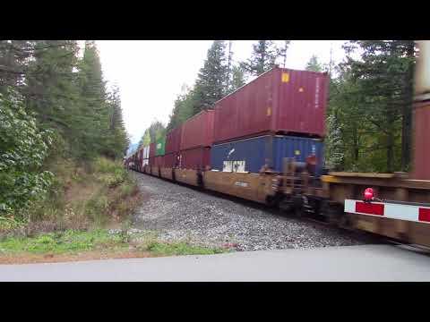Trains BC 2017: CN Intermodal East W/ DPU Near Choate Canada 08OCT17 ET44AC 3105 Leading