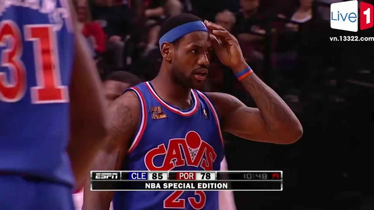 a1ee0d7d461 LeBron James Highest Jump EVER  Gets Head Over The Rim From ▻ 01.10.2010