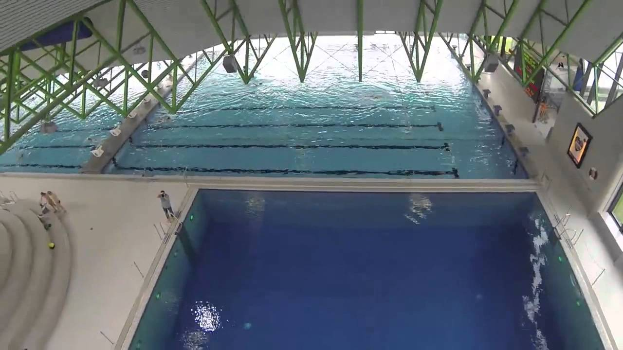 Sprung vom Zehn-Meter-Brett im Selbstversuch - YouTube