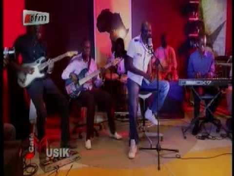 CAFE MUSIC AVEC ALIOUNE MBAYE NDER - 30 NOV. 2011