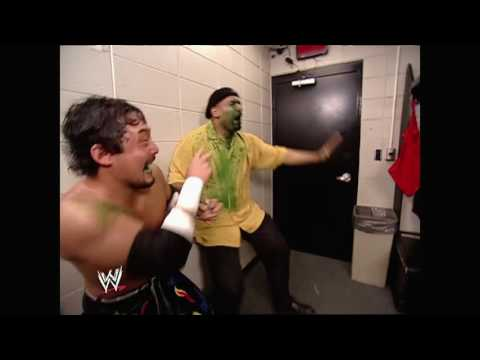 Tajiri sprays mist in Jonathan Coachman's face: Raw, March 29, 2004